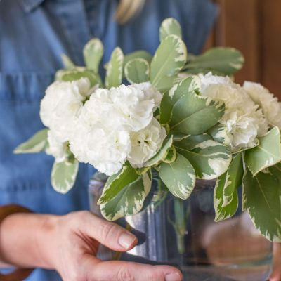 How to Make a Flower Arrangement for $5