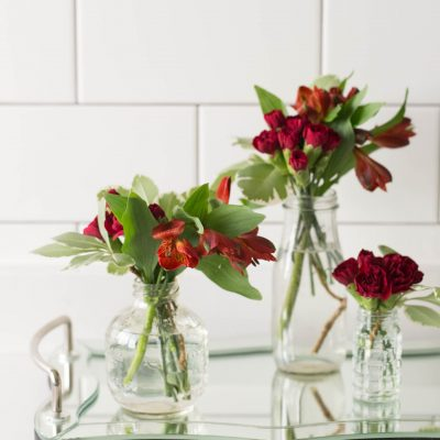 How to Arrange Flowers With Multiple Vases